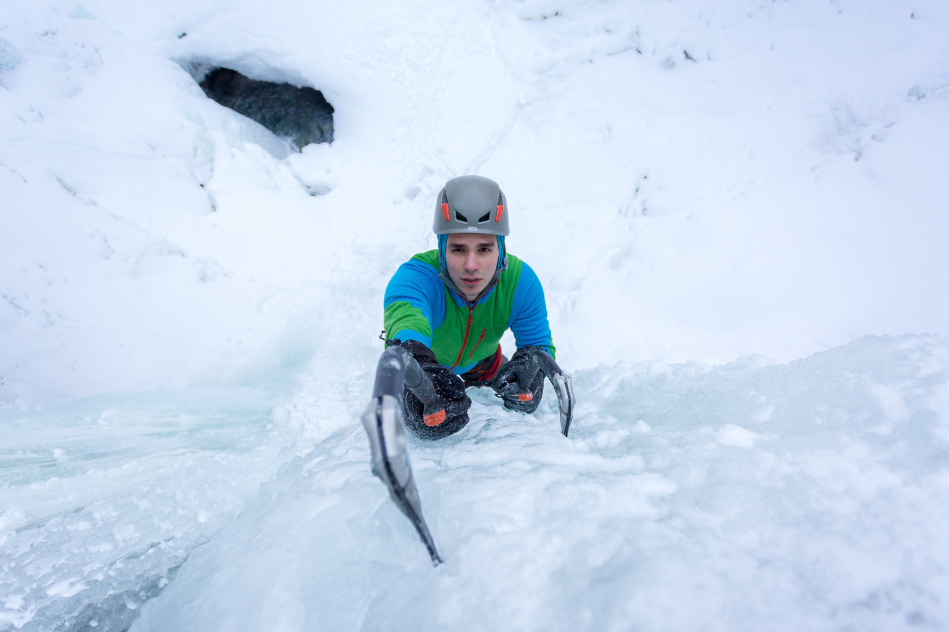 5 Tips for Better Ice Climbing Images Main Photo